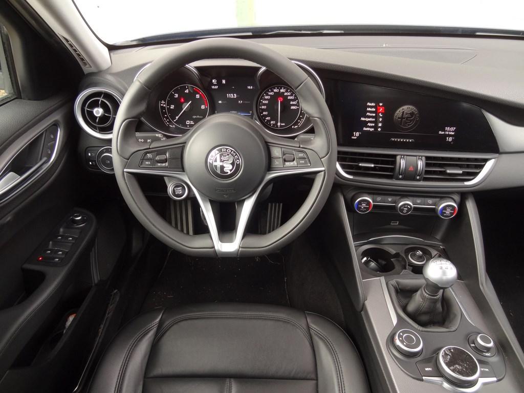 Alfa Romeo Giulia 2.2 Diesel 180k MT