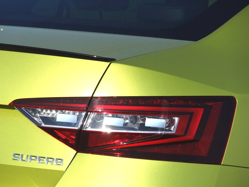 Škoda Superb 2.0 TSI DSG Sportline