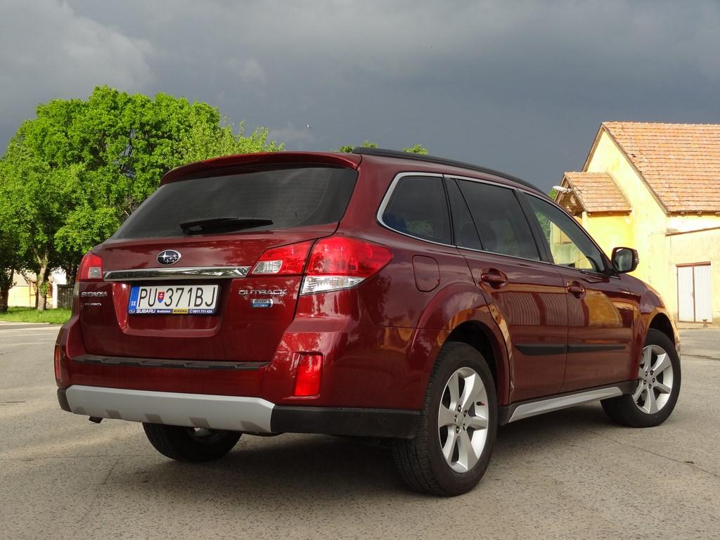 Subaru Outback 2.0D CVT