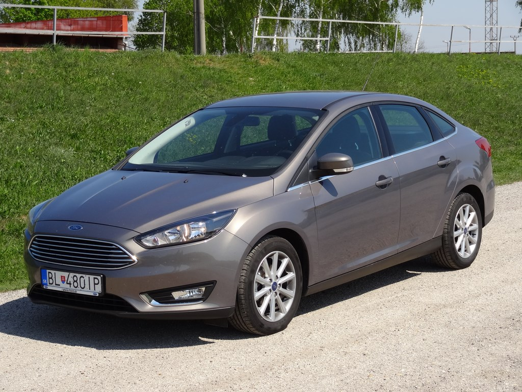 Ford Focus Sedan 1.0 EcoBoost