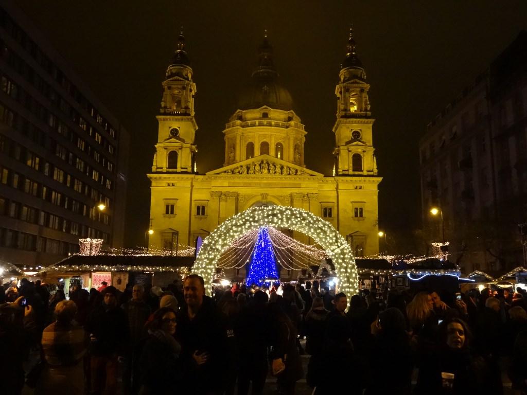 Vianočné trhy s novým Oplom Astra!