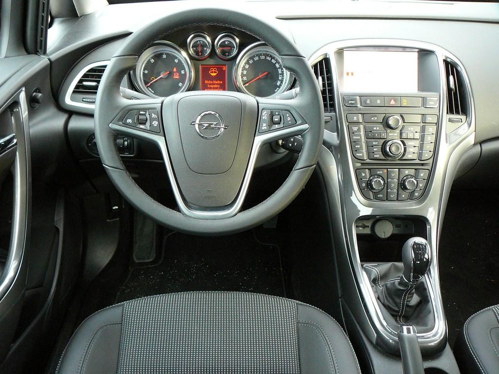 Opel Astra Sedan 1.7 CDTi